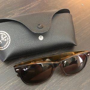 NWOT Ray ban new wayfarer sunglasses